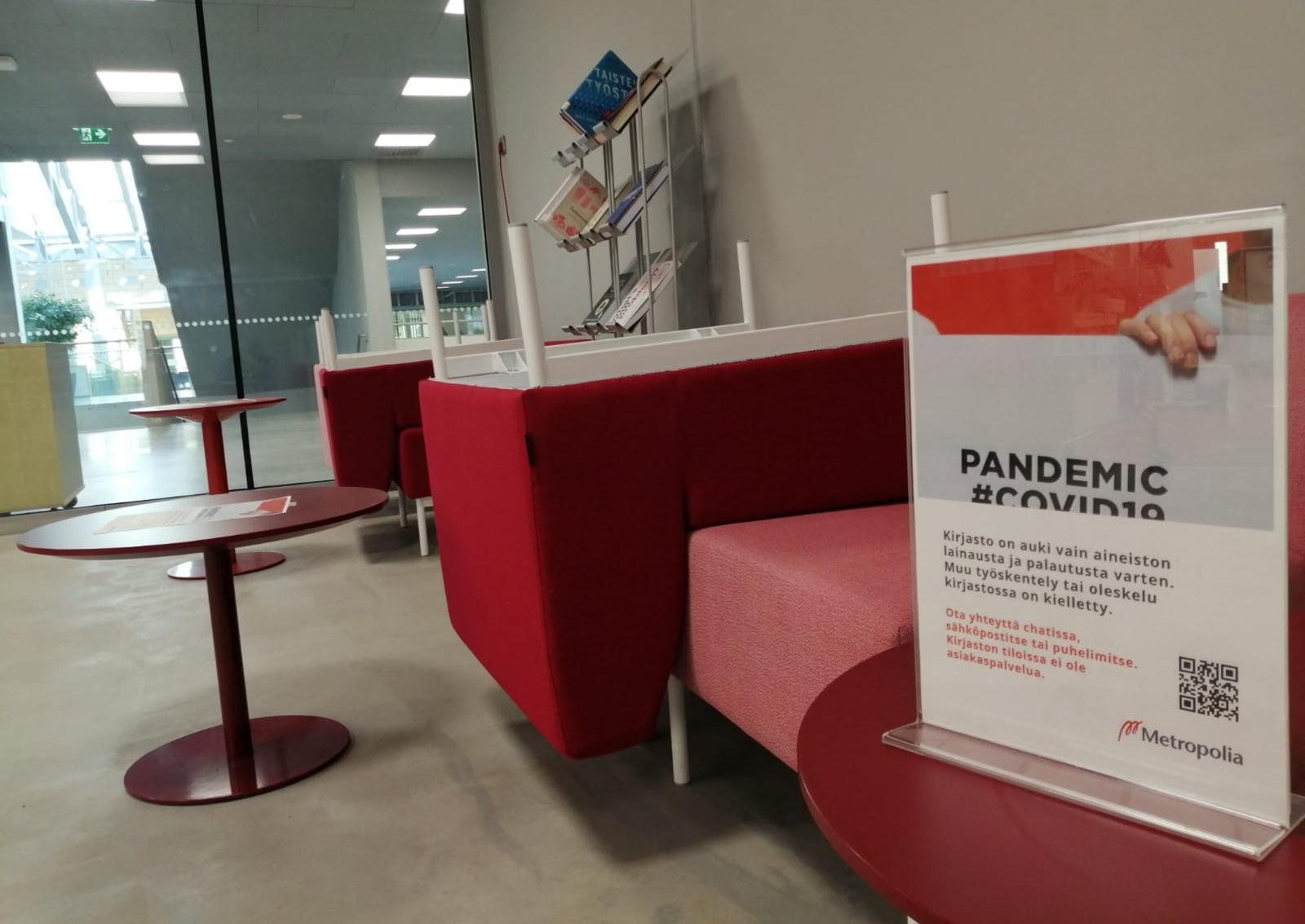 Kuva 4. Metropoliassa kirjasto on auki vain lainausta ja palautusta varten. CC BY 4.0