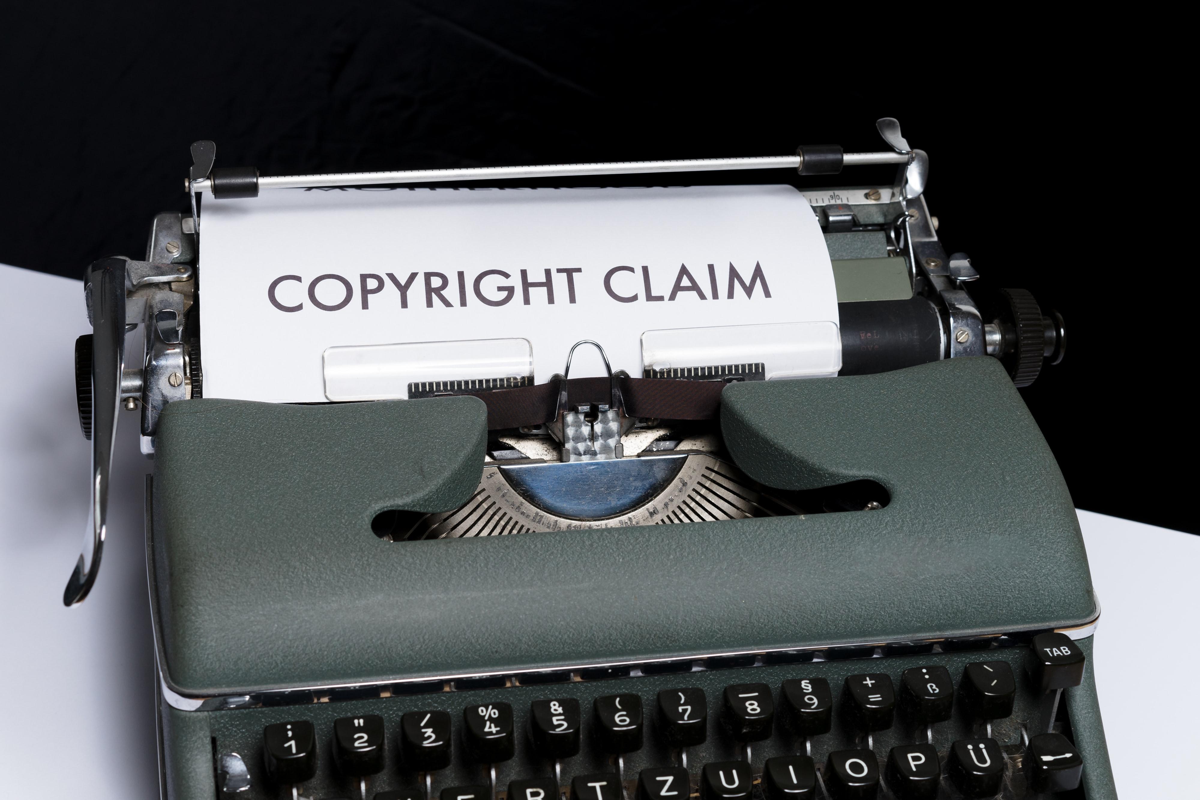 "Kuva 11. Photo by <a href=""https://unsplash.com/@markuswinkler?utm_source=unsplash&utm_medium=referral&utm_content=creditCopyText"">Markus Winkler</a> on <a href=""https://unsplash.com/s/photos/copyright?utm_source=unsplash&utm_medium=referral&utm_content=creditCopyText"">Unsplash</a>"