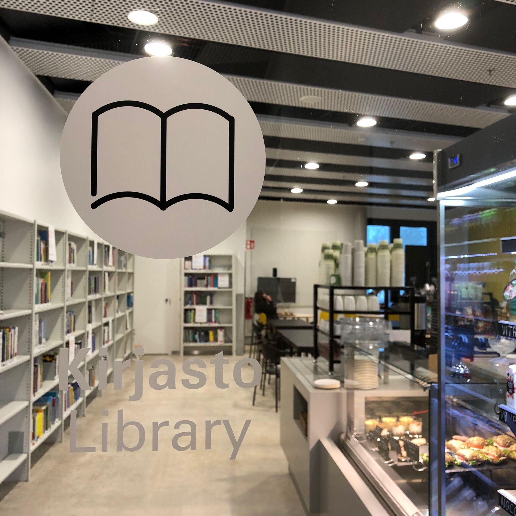 Kirjasto toimi vuoden verran väliaikaisissa tiloissa kahvilan yhteydessä. Kuva: Päivi Ylitalo-Kallio