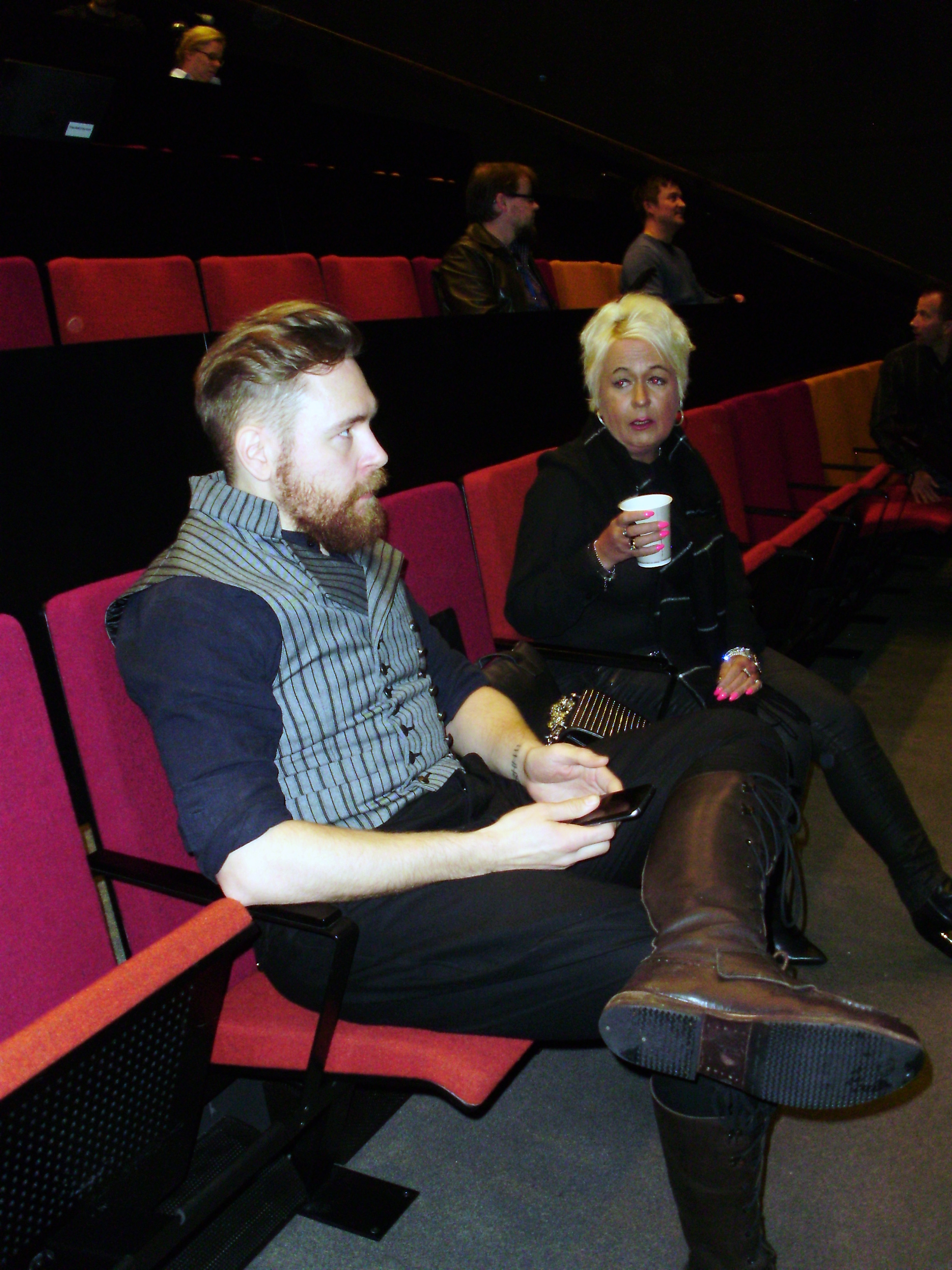 Valtteri Lindholm ja Susanna Tirkkonen keskustelevat ennen seminaarin alkua.