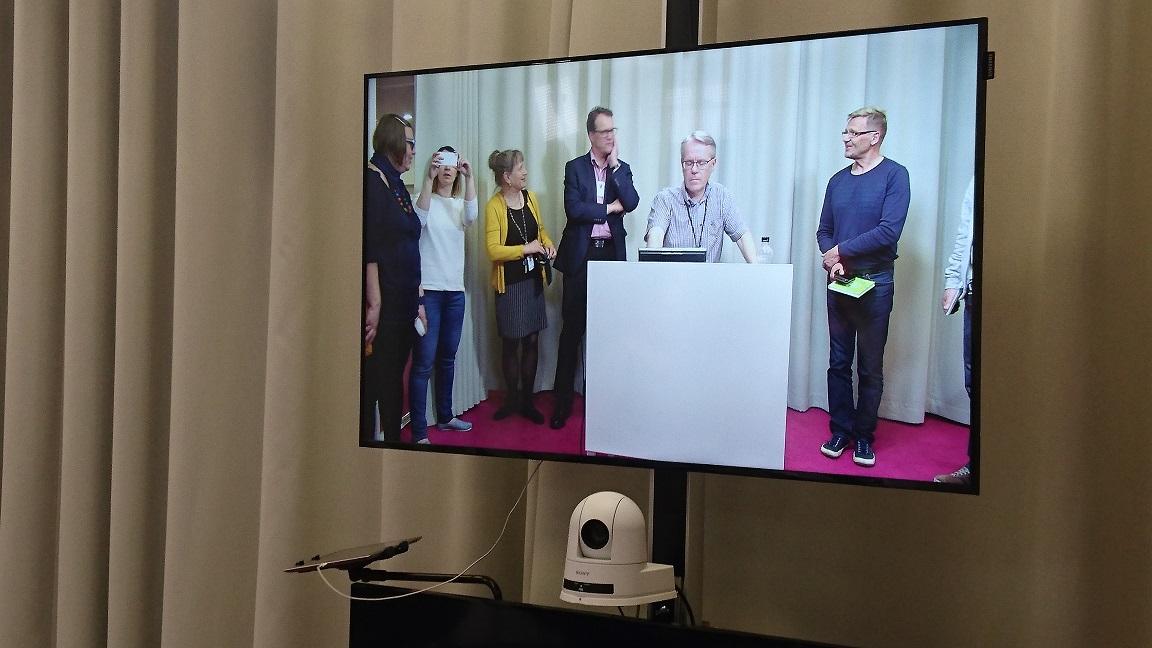Harald Herlin -oppimiskeskuksessa tutustuttiin mm. studiotekniikkaan.