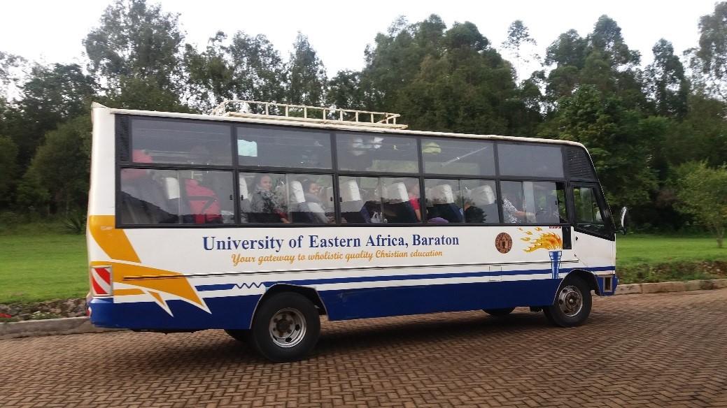 Opiskelijoiden kuljetus Nairobista Eldoretiin ja Kendu Bayhin hoitui Baratonin yliopistobussilla.