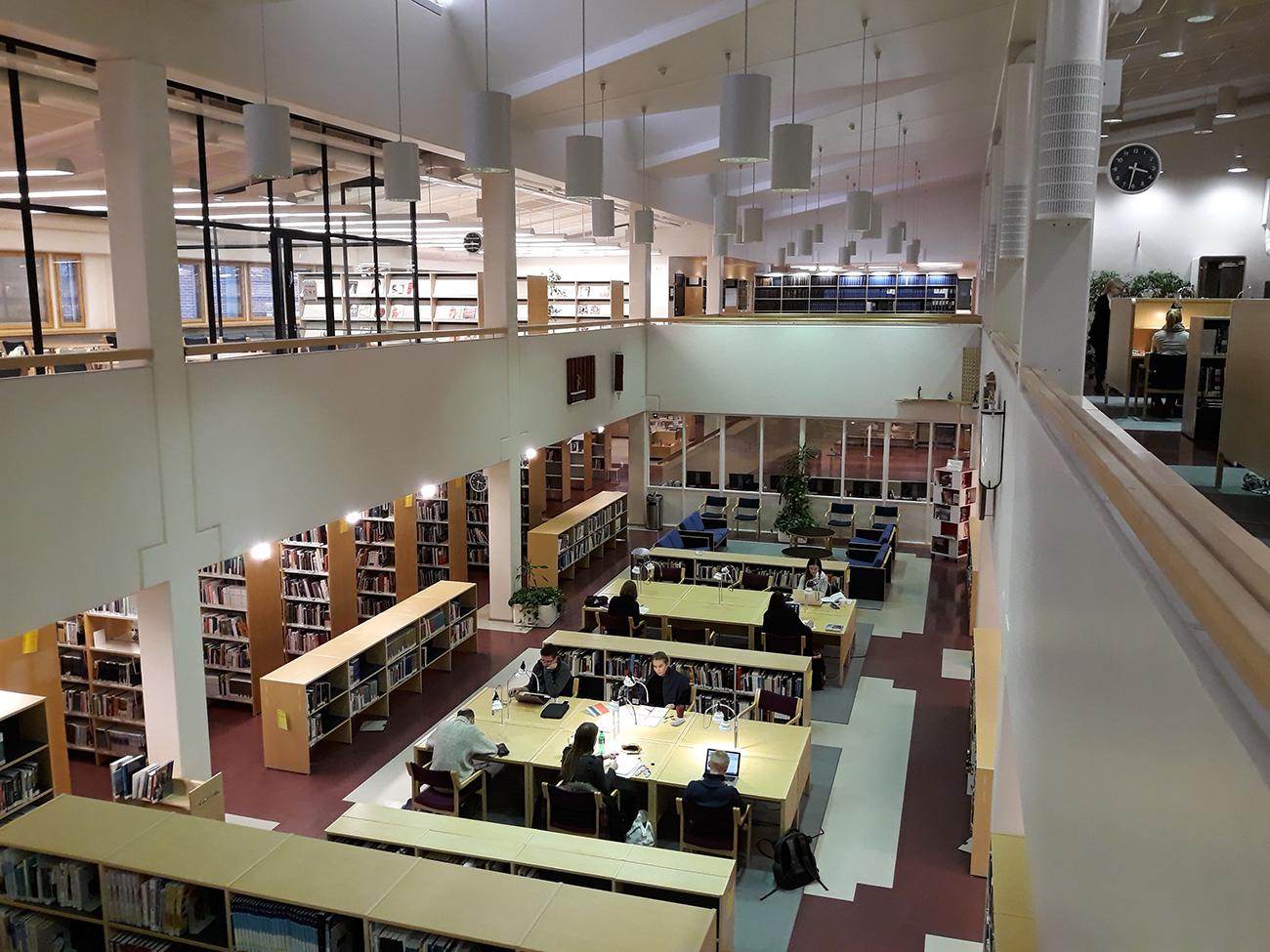 Juuri käyttöön vihitty Lapin AMK:n ja Lapin yliopiston yhteinen kirjasto Rovaniemellä.
