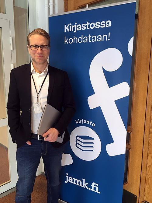 Teemu Makkonen JAMKin kirjastonjohtaja.