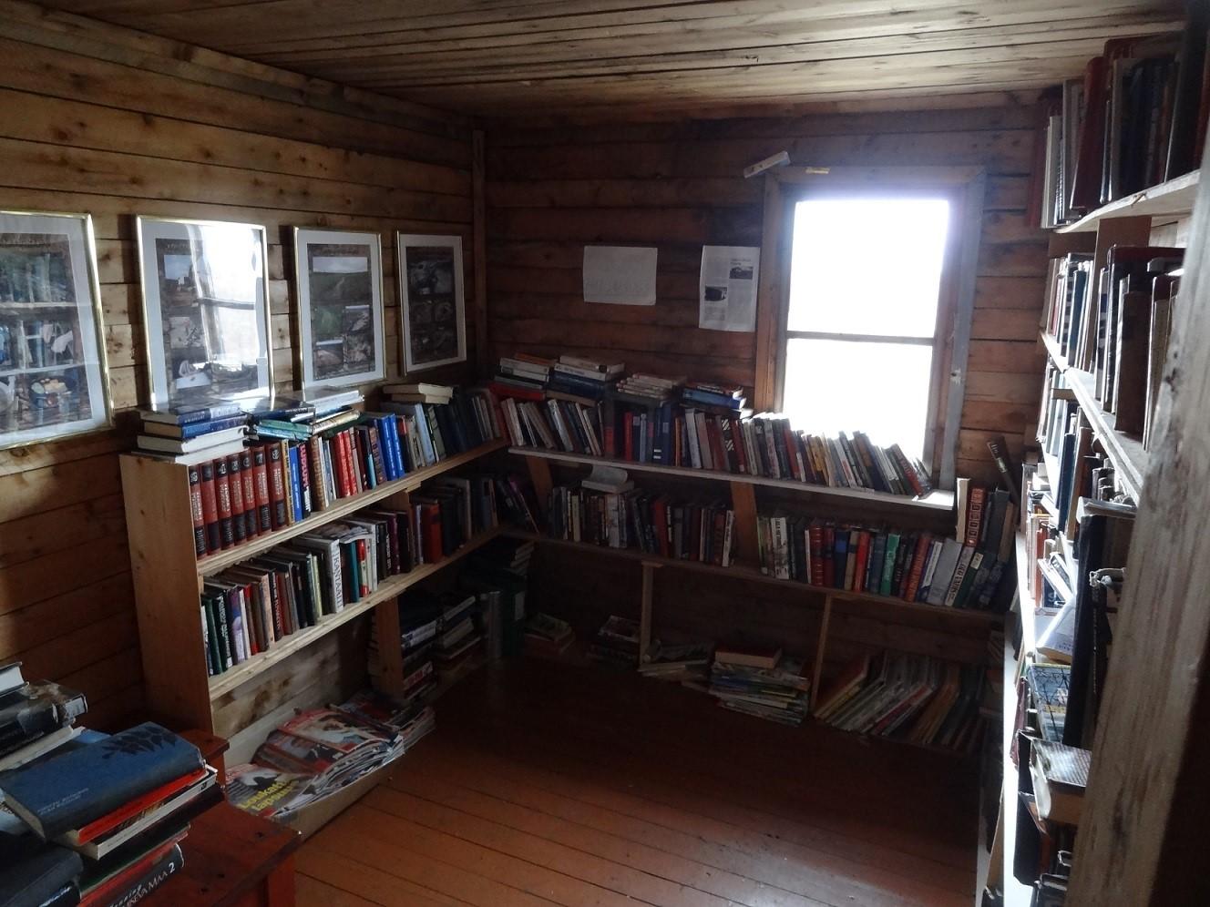Kuva 4. Kirjastossa tila oli omistettu kokoelmalle.