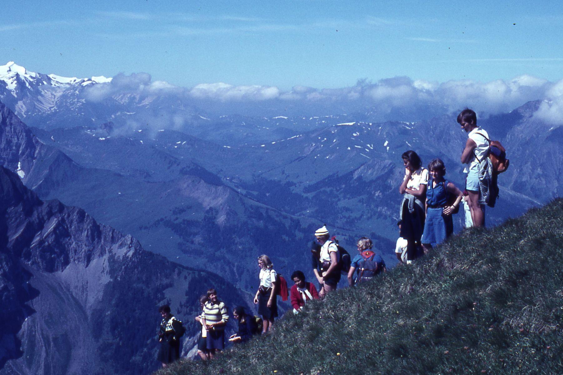 Teini-iässä Sveitsissä partioseminaarissa.